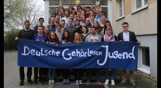 Deutsche Gehörlosenjugend - Gruppenbild